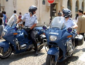 https://mairie-betaille.fr/wp-content/uploads/2020/12/1506347626-Gendarmerie_BMW_R1100RT.jpg
